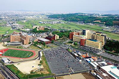 ②川崎学園全景
